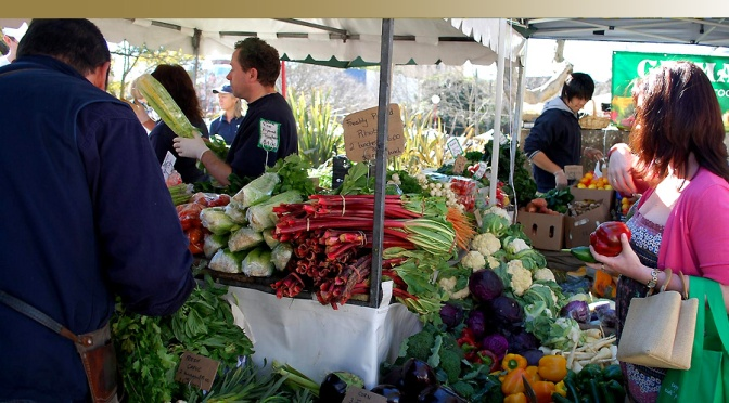 Top Reasons to Shop at a Farmers' Market